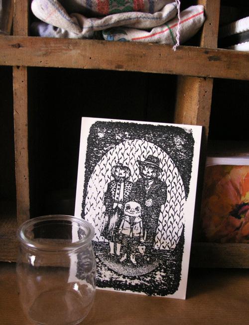 Mise en scène de la carte postale Halloween Family par Saralisa Pegorier